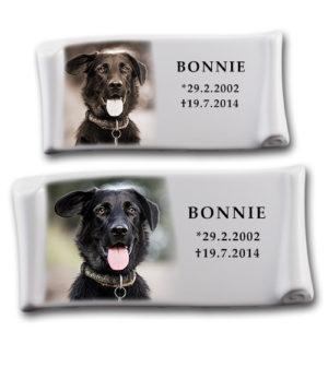 Porcelánový štítek na psí hrobeček