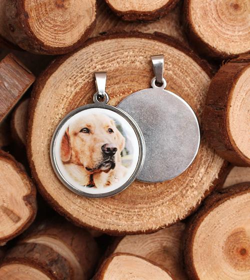Personalizovaný pamětní medailon s fotografii na porcelánů - pes